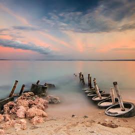 by Luna Almira  Ali - Landscapes Beaches