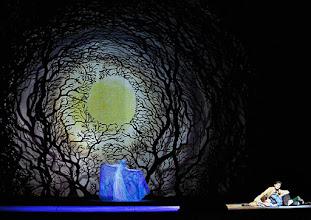 Photo: Wiener Staatsoper: HÄNSEL UND GRETEL. Inszenierung Adrian Noble. Premiere 19.11.2015. Annika Gerhards, Ileana Tonca, Daniela Sindram. Copyright: Barbara Zeininger