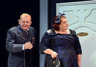 Photo: Wien/ Theater in der Josefstadt: DER GOCKEL von Georges Feydeau. Inszenierung: Josef E. Köpplinger. Premiere 19.11.2015. Martin Zauner, Susanne Wiegand. Copyright: Barbara Zeininger