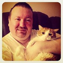 Photo: Mr.Tom and his dad #intercer #pet #pets #cat #cats #sweet #funny #animal #petsofinstagram #catsofinstagram #portrait #udemy #orange #love #fur #catlovers - via Instagram, http://ift.tt/RmXyTE