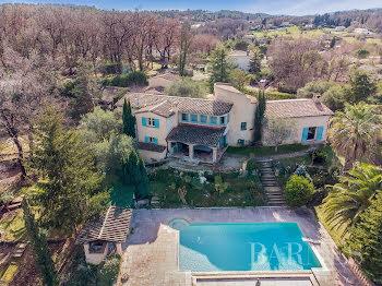 villa à Valbonne (06)