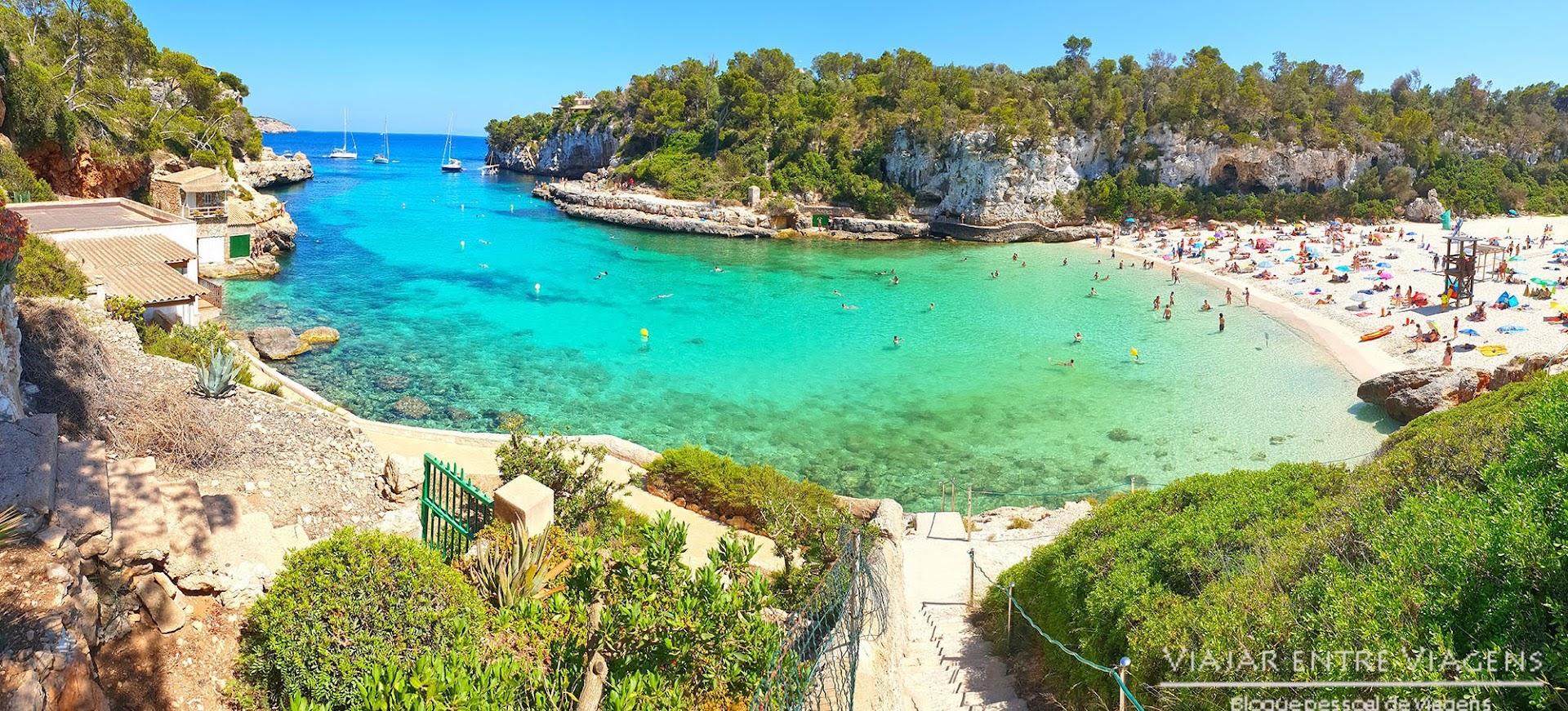 Aproveitar a praia em Cala Llombards em Maiorca
