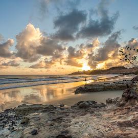 Sunrise in Cotovelo Beach by Rqserra Henrique - Landscapes Beaches ( clouds, brazil, rqserra, beach, sunrise, sun )