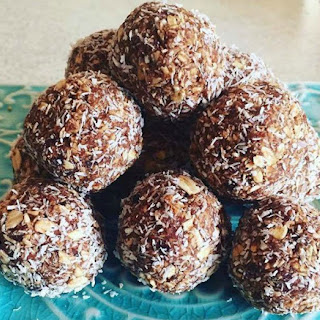 Date And Oat Bliss Balls.