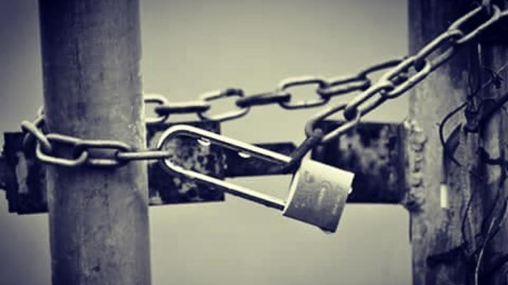 Cancello chiuso a chiave di Micaela Lazzari