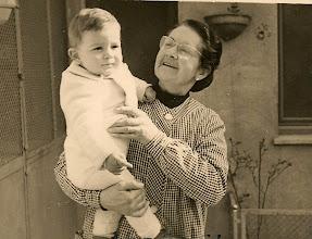 Photo: 1r aniversari, amb l'àvia Lola 14-2-1958
