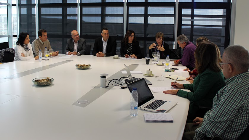 Reunión de la Mesa del Emprendimiento en el PITA