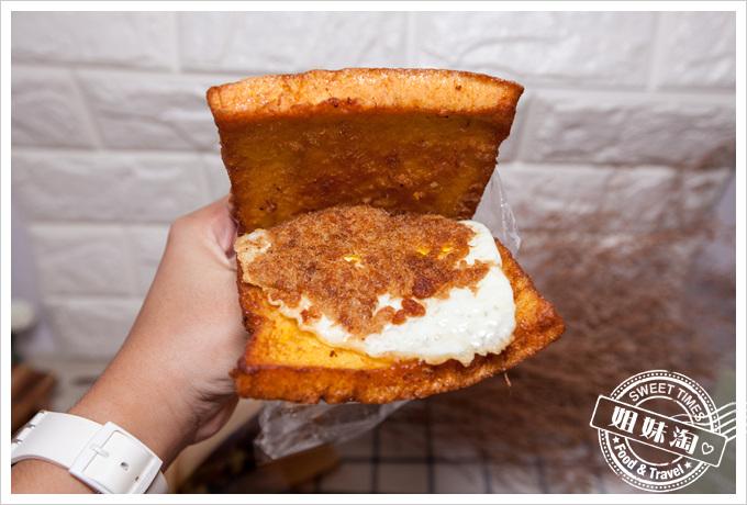 老牌牛乳大王蛋炸吐司夾肉鬆夾蛋