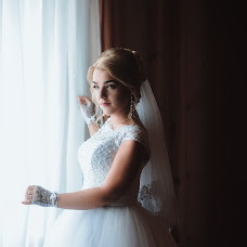 Wedding photographer Olya Naumchuk (olganaumchuk). Photo of 04.02.2018