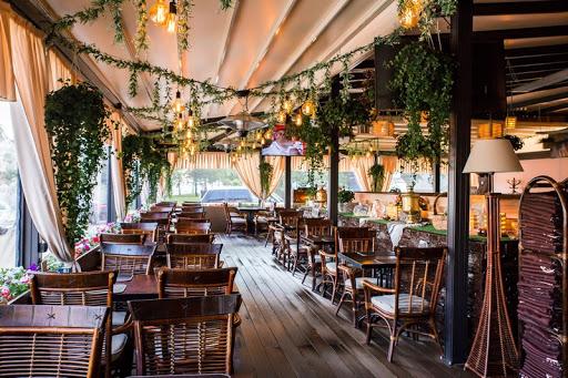 Летняя веранда в ресторане Гамбринус на Площади Ильича для свадьбы