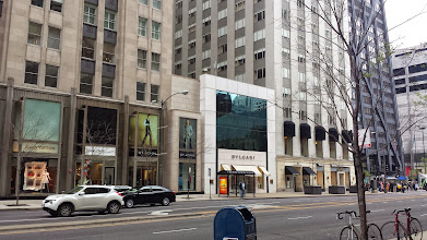 Photo: more stores along the Magnificent Mile