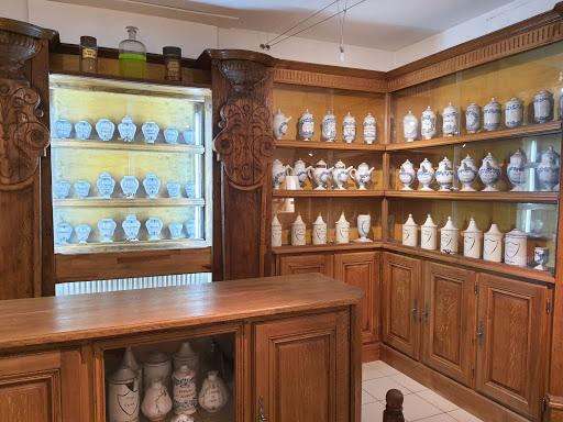 Collection pots à Pharmacie Musée de la Terre Rambervillers
