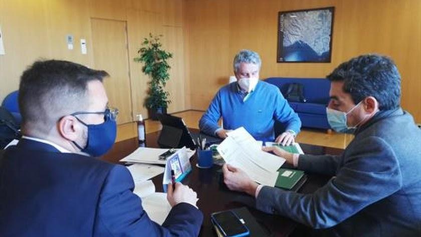 El \'comité de expertos\', con Juan de la Cruz al frente, en una imagen de archivo.