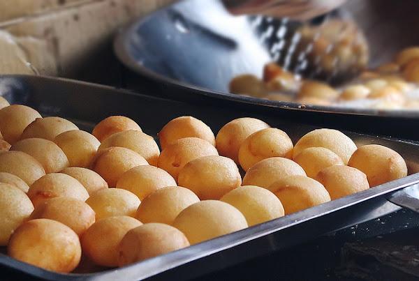 QQ蛋芝麻球|老字號無名銅板美食!!隱藏版排隊小吃,這家真的是地瓜球的極致美味了呀/新莊美食/體育館必吃@鮪魚的奶奶