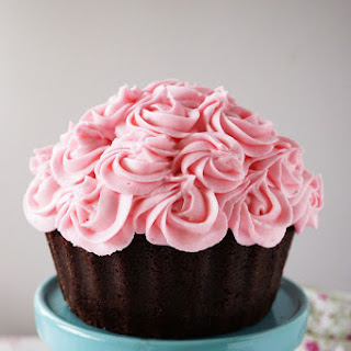 BREAST CANCER AWARENESS PINK BOUQUET CAKE