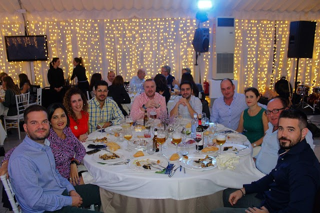 Asistentes a la cena de gala benéfica de la Asesoría Antonio Pérez.