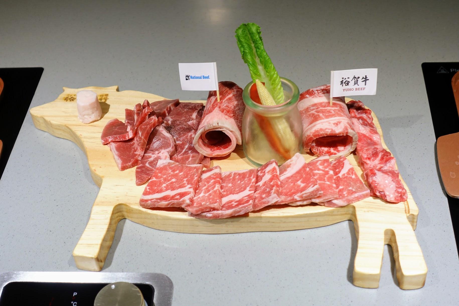 先切的燒烤一頭牛,是說備餐時間比較久一點,像我們這一盤快吃完同事點的才送上