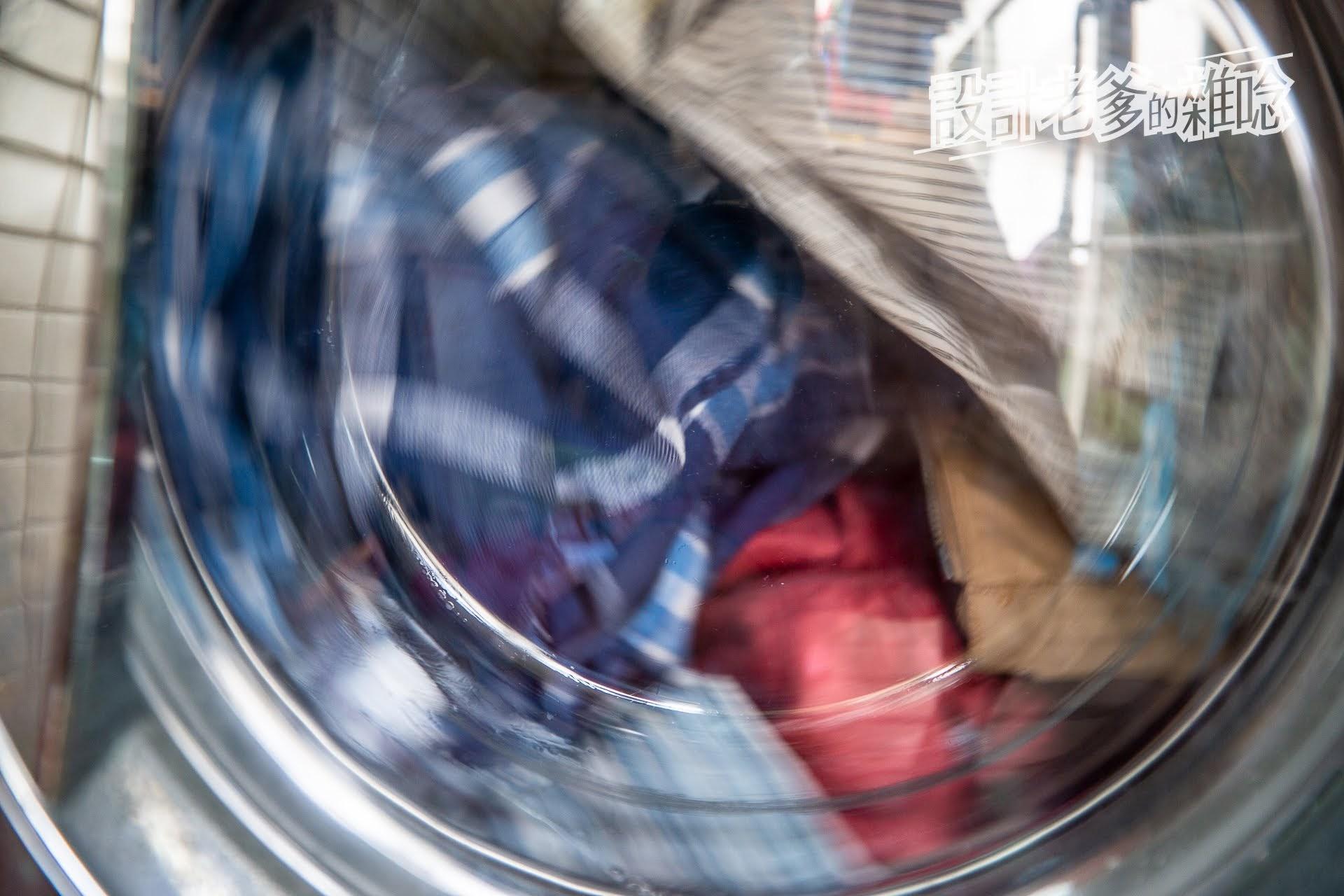 就連洗衣服都可以力行環保人生喔!...ecostore超濃縮環保洗衣精