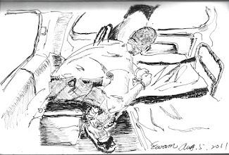 Photo: 痛2011.08.05鋼筆 送一名血尿的收容人到醫院,在救護車上他痛得坐不直身子,卻又止不住好奇,頻頻抬頭看著車窗外變換的風景,後來他跟我說週日就血尿了,值班的同事只雙手一攤說假日沒醫生要他忍,週一在監看診照了X光,兩個醫生都說不知問題在哪,於是一拖就到週五,到醫院照X光就說是結石,唉!監獄什麼時候才把人當人看呀!