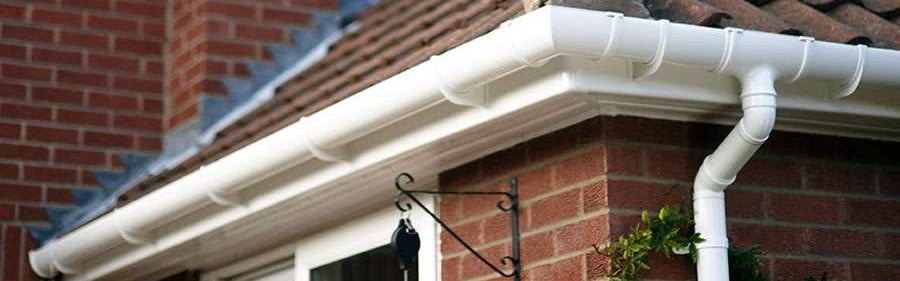 A gutter that needs cleaning in Bedforshire