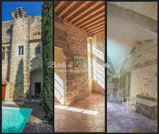 château à Uzès (30)