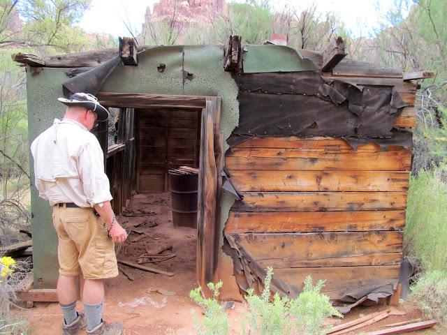 Cabin at Bowknot Bend