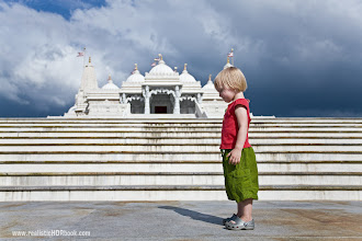 Photo: Meditating Same place, Shri Swaminarayan Mandir (http://goo.gl/hJcZp) , single exposure. I do not remember what exactly she was doing (3 years old can't meditate I guess:-), but it was cool moment to catch.