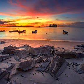Beautiful sunset by PENDI KAMRI - Landscapes Sunsets & Sunrises ( sky, sunset, beach, boats, sun, water, summer, boat, sea,  )