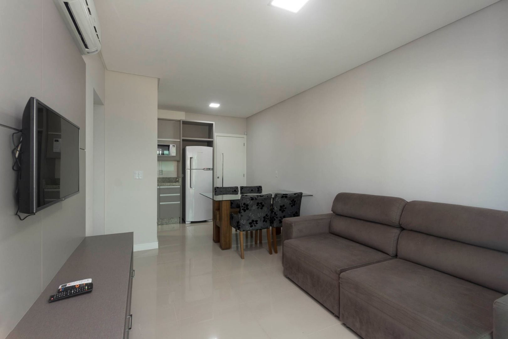 Apartamento com 2 Dormitórios à venda, 66 m² por R$ 850.000,00