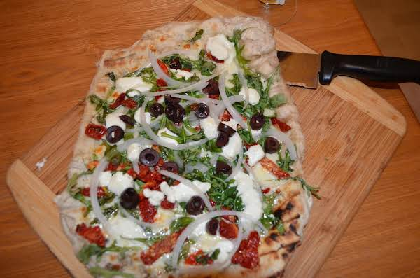 Grilled Goat Cheese And Arugula Pizza