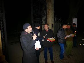 Photo: Pfarrer Markus Beranek begrüßt