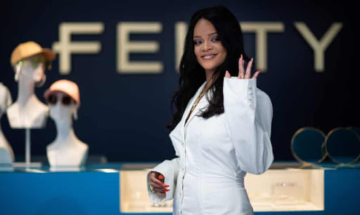 Rihanna Is Now a Billionaire, According to 'Forbes' [Photos]