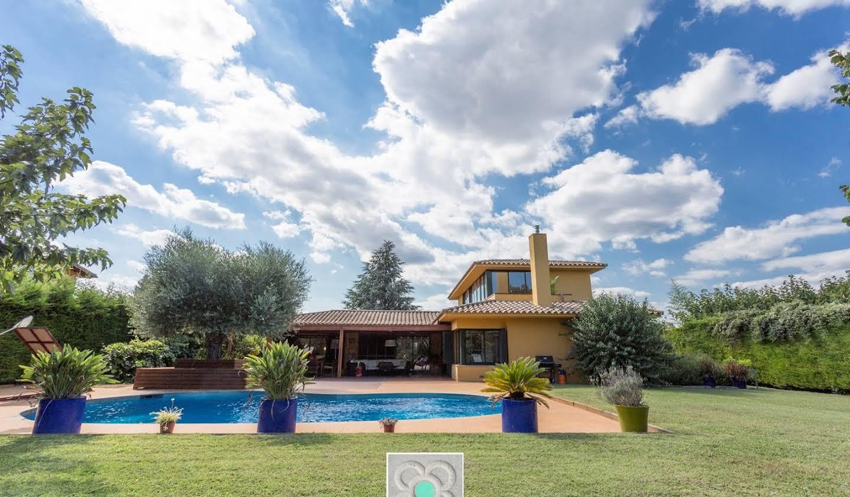Chalet avec terrasse Navata