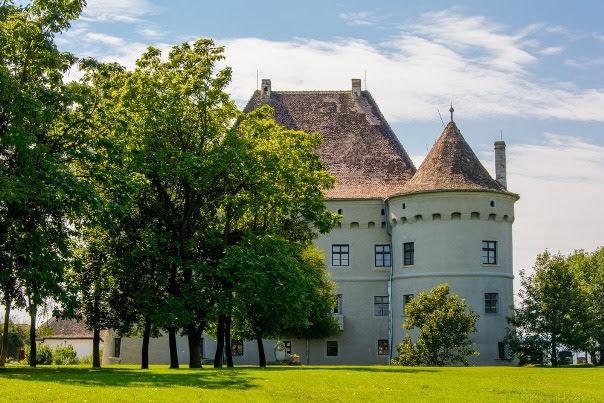 Jidvei Castle