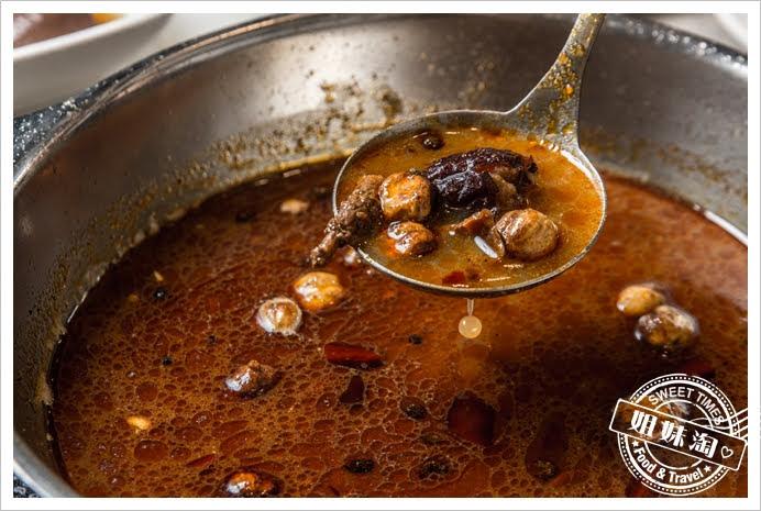 哈肉鍋大盤肉麻奶牛肉筋骨鍋