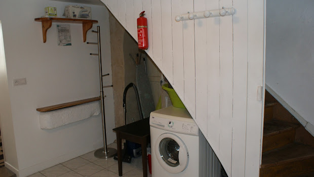 Buanderie  espace rangement gîte Le Relais pour 6 à 7 personnes à Surgères en Charente-Maritime Aunis Marais Poitevin