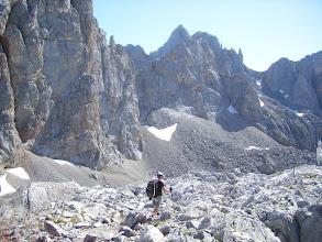 Photo: En el recorrido, al fondo Peña Vieja