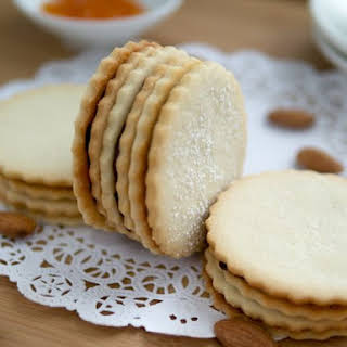 Apricot Almond Cookies Recipes.