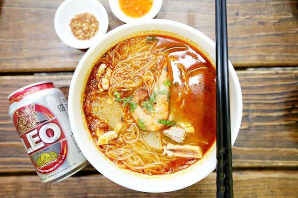 泰小葉 北平路平價泰式料理 超人氣冬央海鮮湯 泰式炸雞翅 酸辣開胃天天吃都不膩