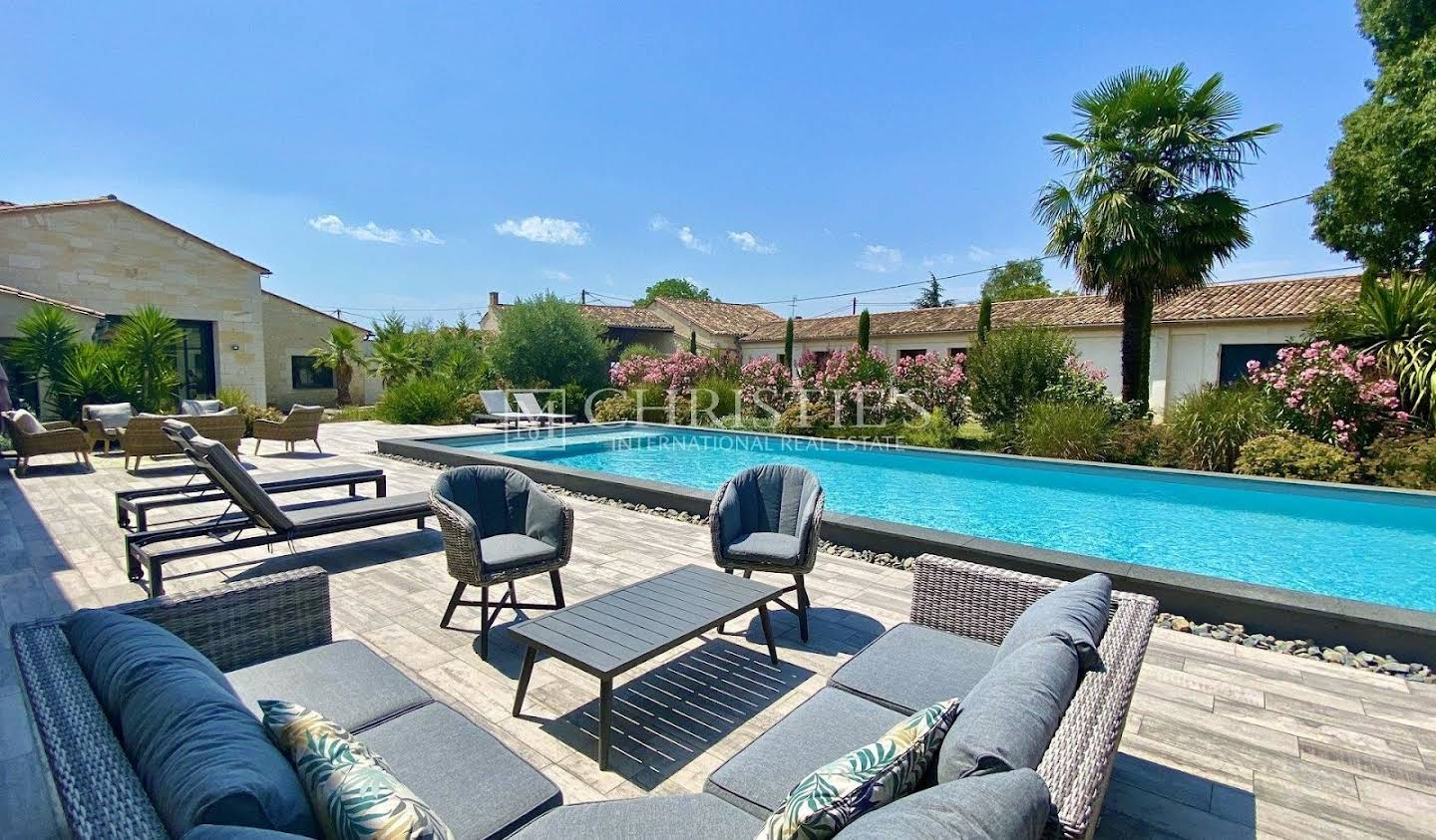 Property with pool Libourne