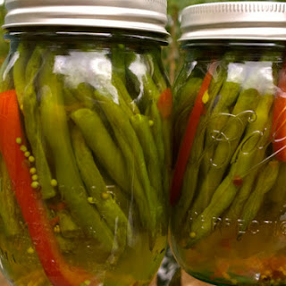 Sweet and Hot Pickled Green Beans