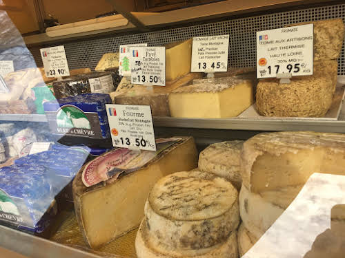 What to Eat Around the World - Tasty Travel Food Experiences // French Cheese