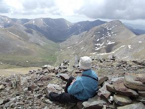 Photo: Dalt del Cim de la Roca Blanca (2.784 m), amb la vall de Coma de Vaca als davant