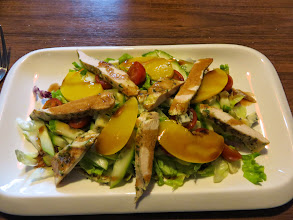 Photo: Chicken and green salad