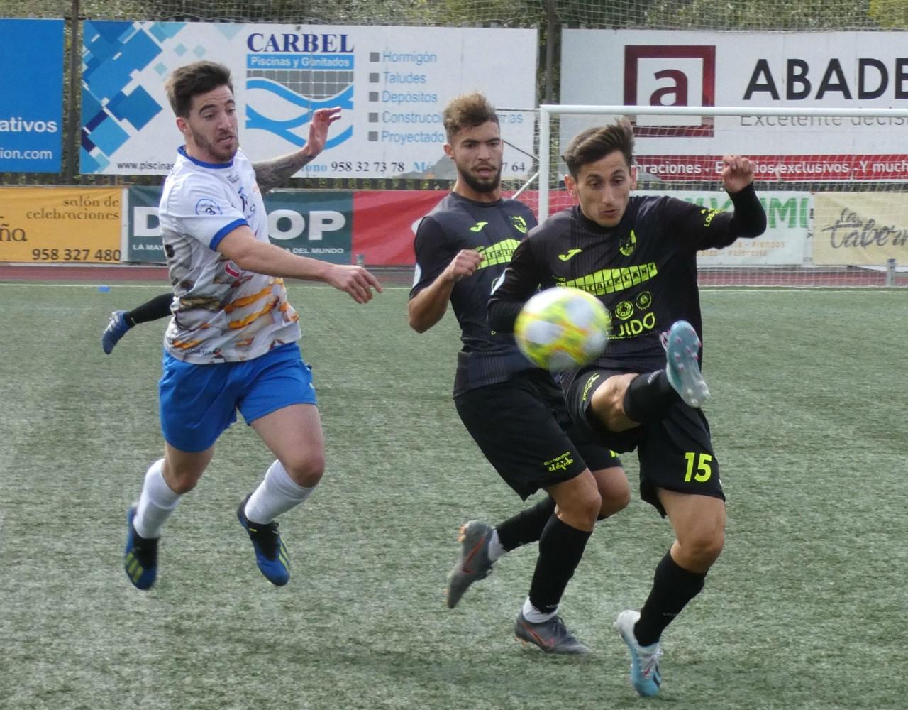 El CD El Ejido empata en Loja un partido que ganaba en el descuento - La Voz de Almería