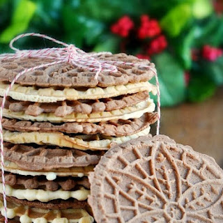 Chocolate & Vanilla Italian Pizzelle Cookies