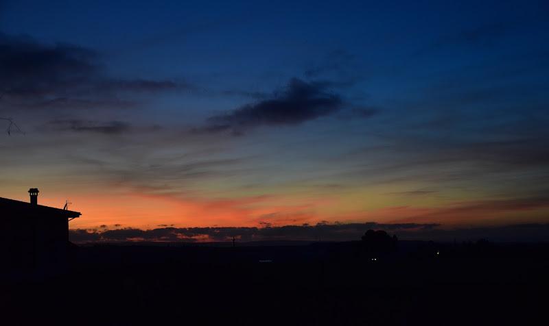 La sera passeggia serena... di Iky