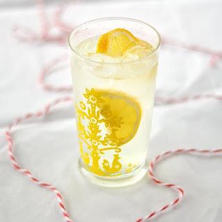 Fair-Style Lemon Shake Ups.