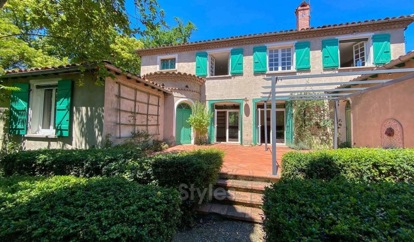 Villa with terrace Toulouse