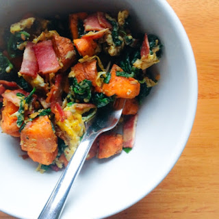 Sweet Potato, Turkey Bacon, Spinach and Egg Breakfast Bowl